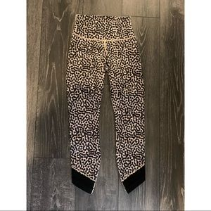 Lululemon 3/4 cheetah leggings